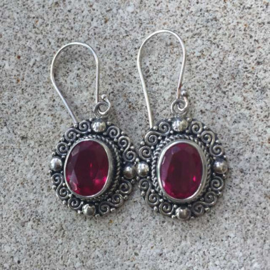 ER 12479 RB-1 PC OF HAND CARVED 925 BALI SILVER EARRINGS WITH RUBBY