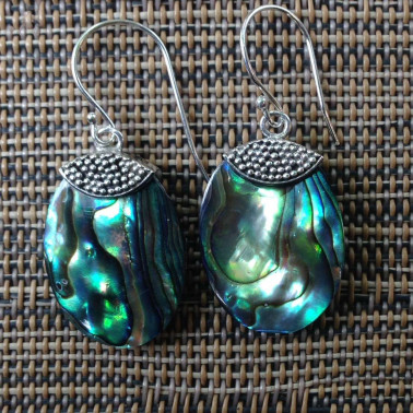 ER 12934-1 pc of hand carved 925 Bali silver earrings with abalone shell