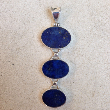 PD 11525-1 pc of hand carved 925 Bali silver pendant with Lapis Lazuli