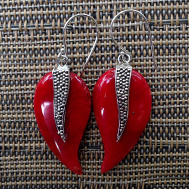 ER 12938-1 pc of hand carved 925 Bali silver earrings with red coral