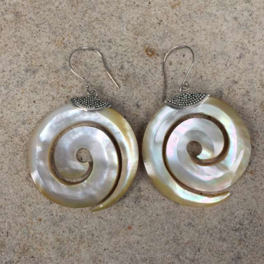 ER 13562 shell-1 PC OF HAND CARVED 925 BALI SILVER EARRINGS WITH SHELL