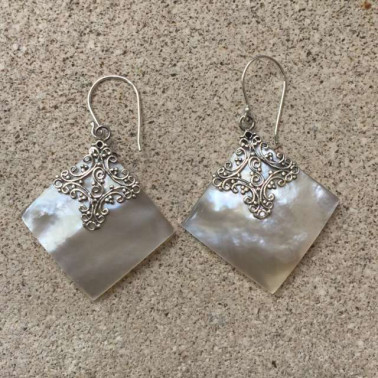 ER 12073 MP-1 PC OF HAND CARVED 925 BALI SILVER EARRINGS WITH MOP