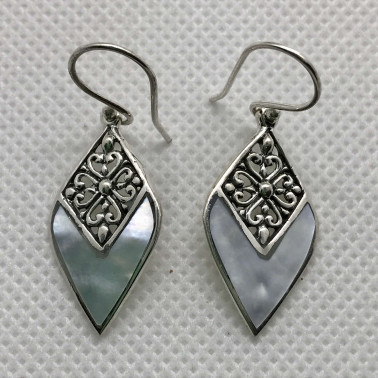 ER 14209 MP-BALI 925 STERLING SILVER EARRINGS WITH MOP