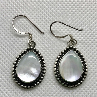 ER 08604 MP-1 PC OF HAND CARVED 925 BALI SILVER EARRINGS WITH MOP