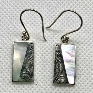 ER 07815 MP-1 PC OF HAND CARVED 925 BALI SILVER EARRINGS WITH MOP