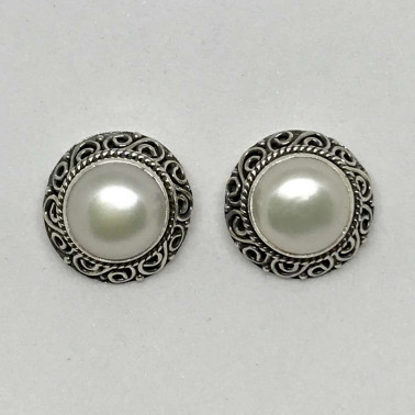 ER 11997 MP-Bali Silver Earrings with Mabe Pearl