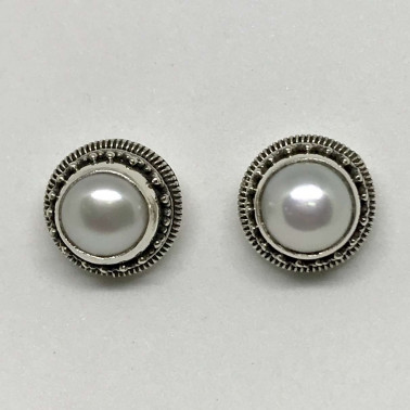 ER 12473 MP-Bali Silver Earrings with Mabe Pearl