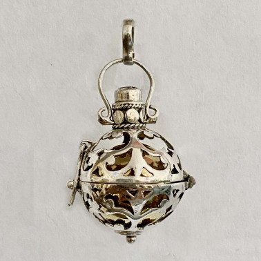 BD 12805-1 PC OF 925 BALI SILVER HARMONY BALL PENDANT WITH MIX STONE