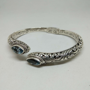 BR 13910-1 PC OF HAND CARVED 925 BALI SILVER BRACELET WITH BLUE TOPAZ