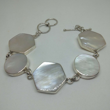 BR 13366-1 PC OF HAND CARVED 925 BALI SILVER BRACELET WITH PEARL