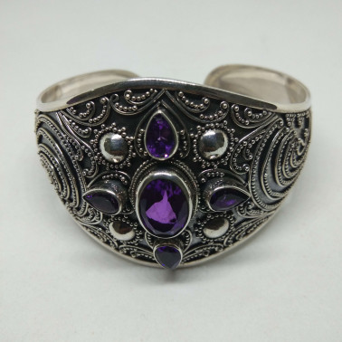 BR 12493-1 PC OF HAND CARVED 925 BALI SILVER BRACELET WITH AMETHYST