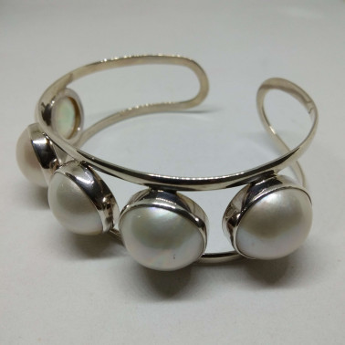 BR 10852-1 PC OF HAND CARVED 925 BALI SILVER BRACELET WITH MABE PEARL