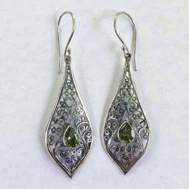 ER 11558 PD-BALI SILVER EARRINGS WITH PERIDOT
