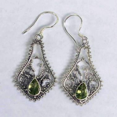 ER 10075 PD-BALI SILVER EARRINGS WITH PERIDOT