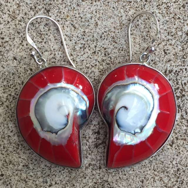(925 BALI SILVER EARRINGS WITH RED ENAMEL NAUTILUS SHELL)