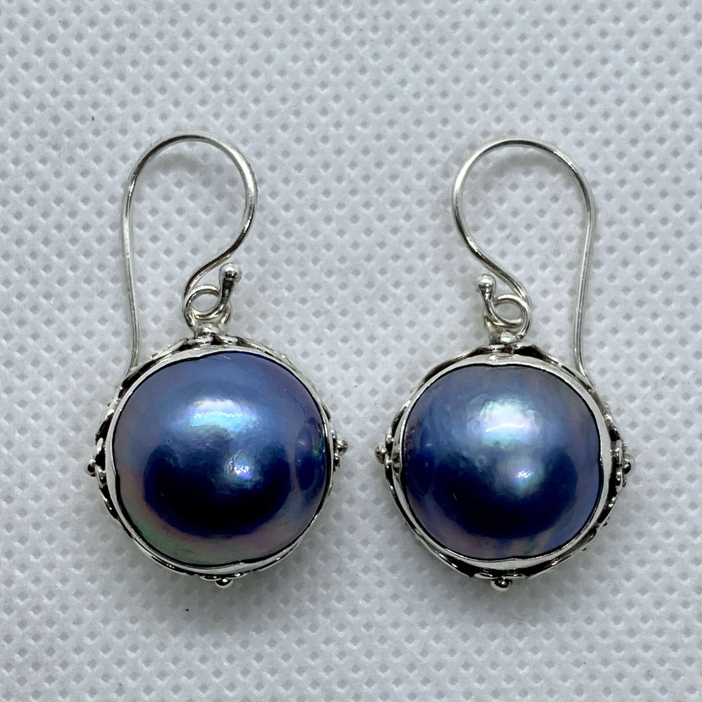 BALI SILVER EARRINGS WITH BLUE MABE PEARL