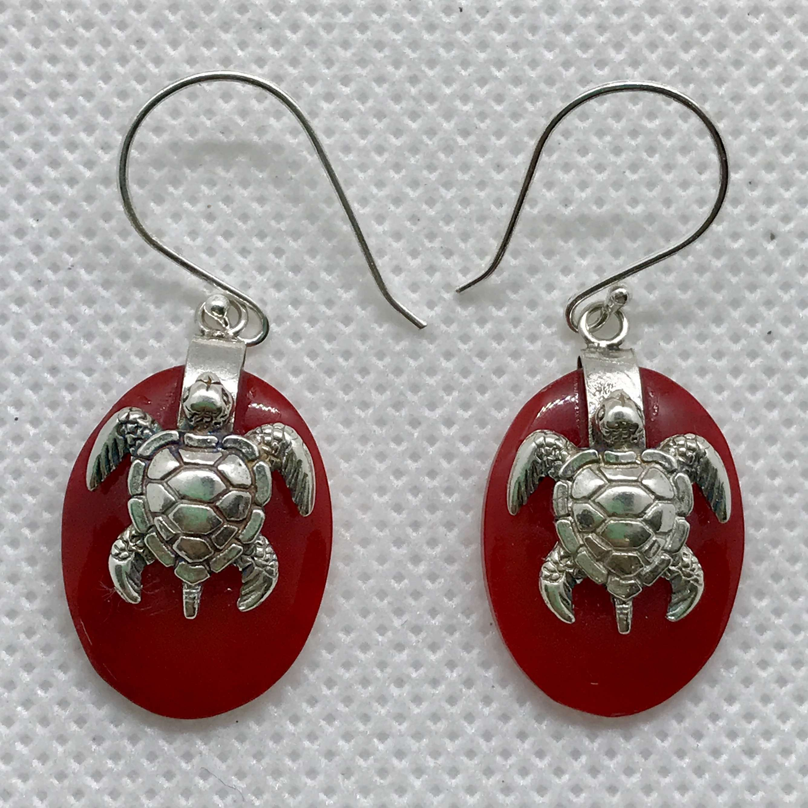 (925 BALI SILVER TURTLE OVAL EARRINGS WITH CORAL)