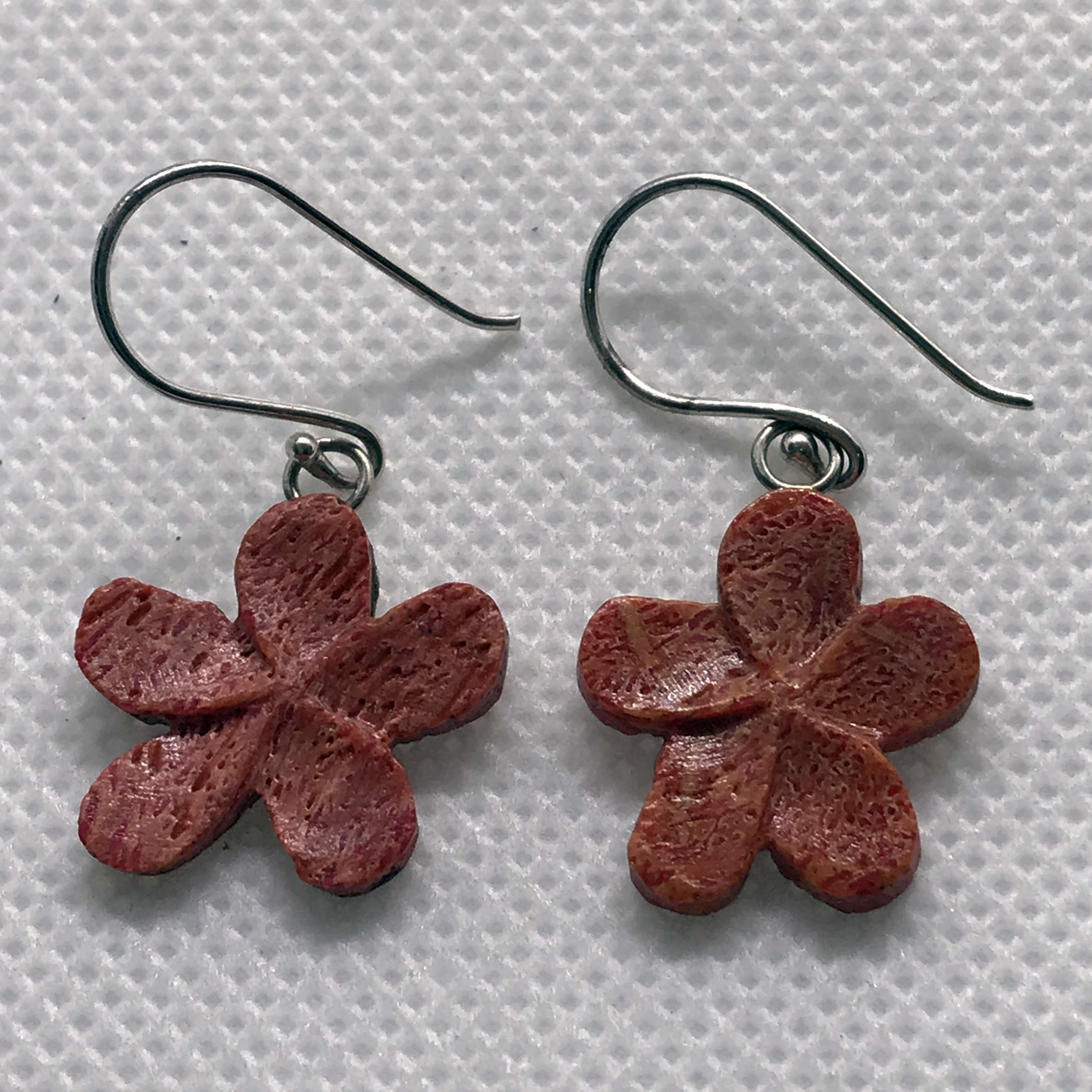 (925 BALI SILVER DAISY FLOWER EARRINGS WITH CORAL)
