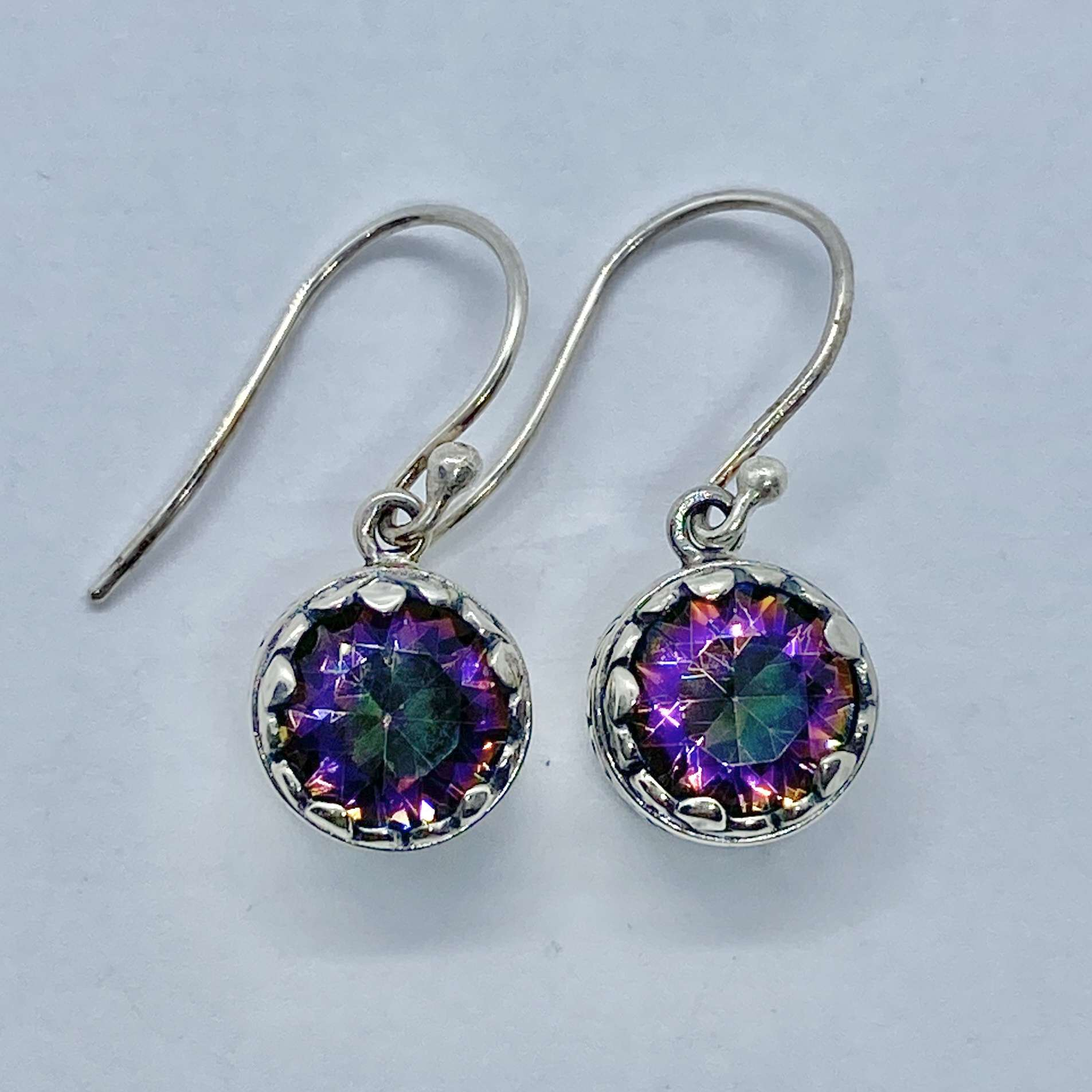 (HANDMADE 925 BALI SILVER EARRINGS WITH MYSTIC TOPAZ)