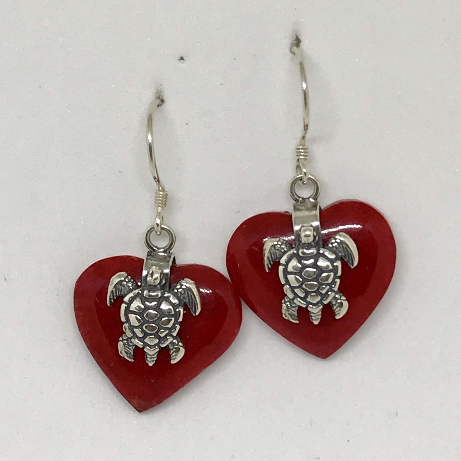 (925 BALI SILVER TURTLE HEART EARRINGS WITH RED CORAL)