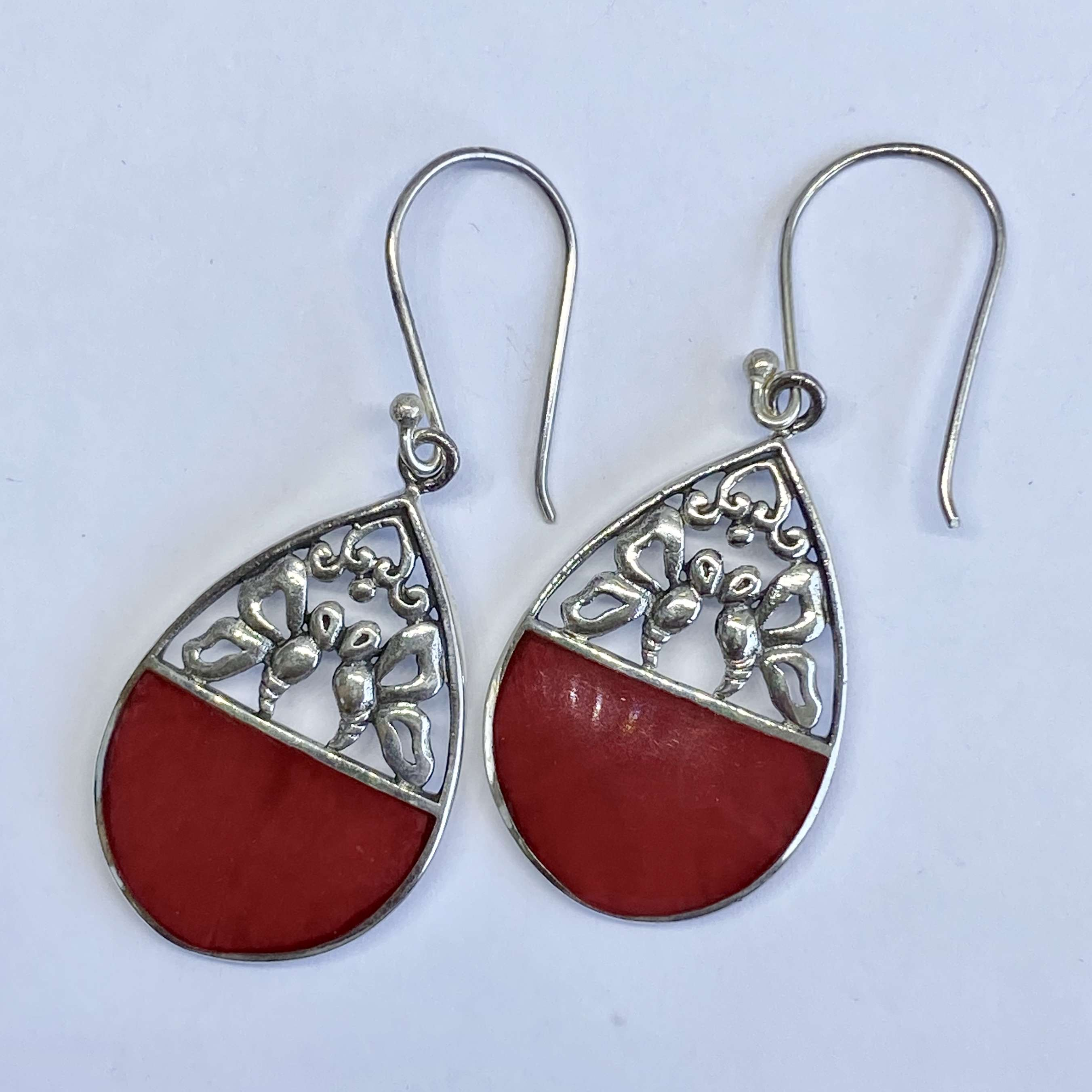 (BALI 925 STERLING SILVER BUTTERFLY EARRINGS WITH CORAL)