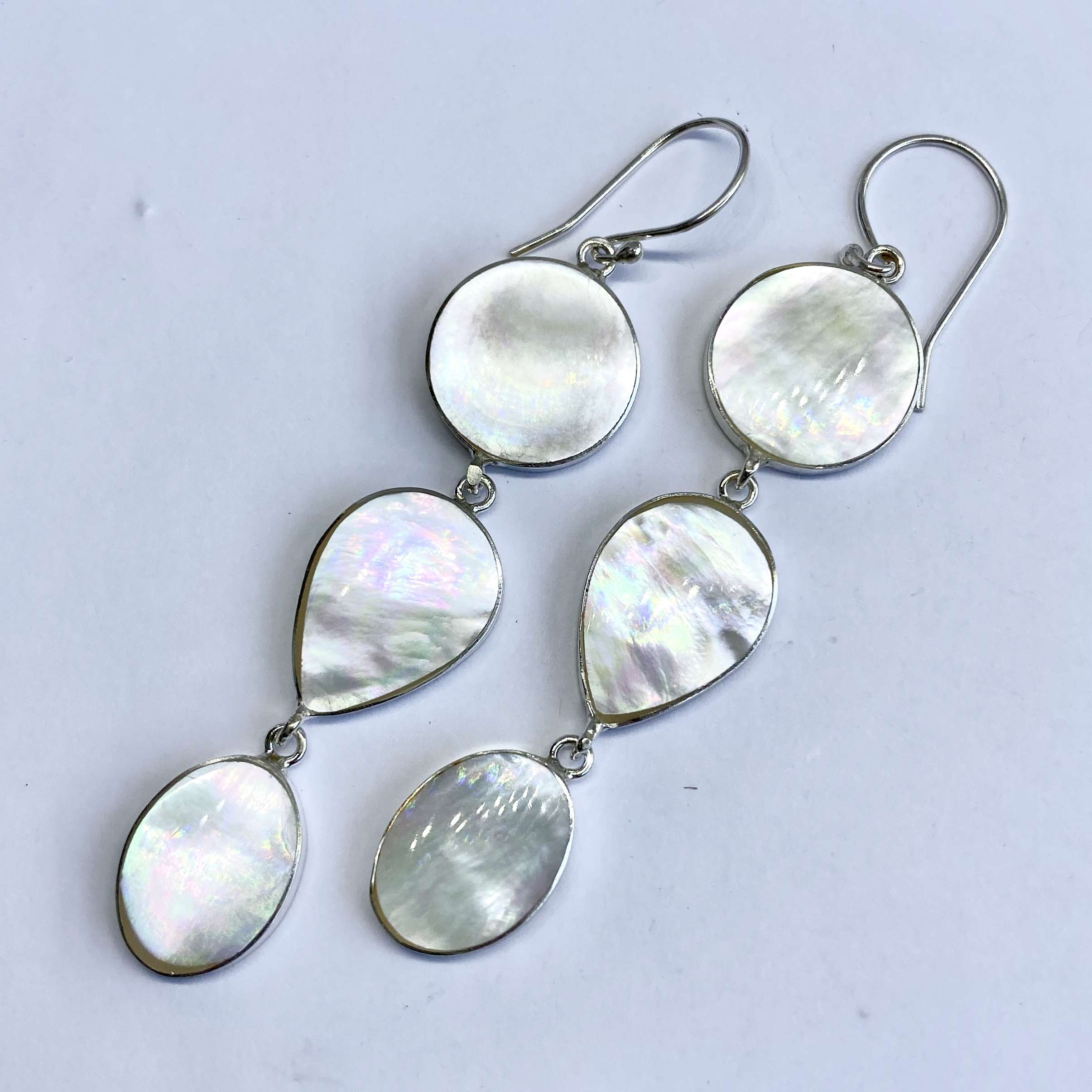 (BALI 925 STERLING SILVER DANGLE EARRINGS WITH MOTHER OF PEARL)