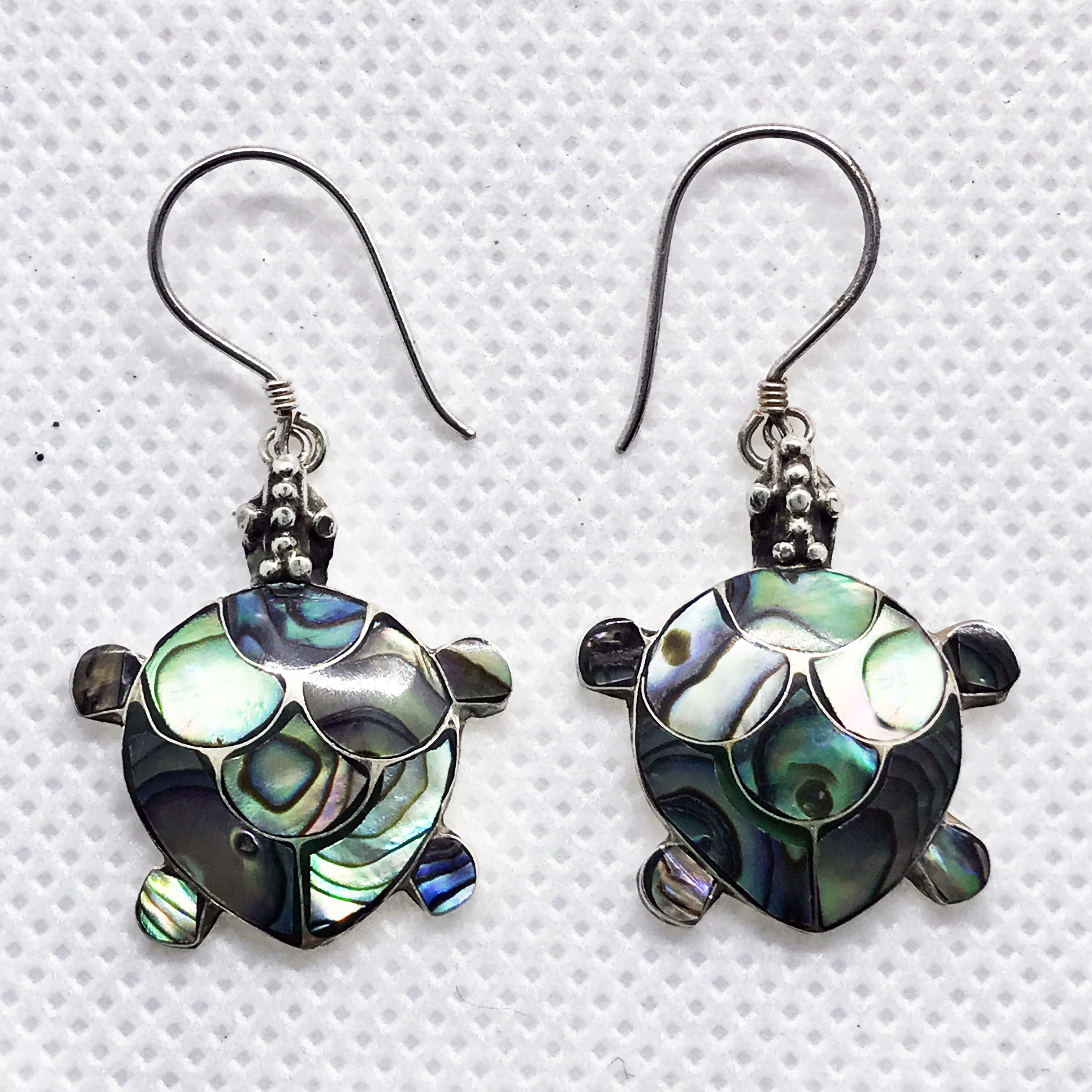 (SMALL HANDMADE 925 BALI SILVER TURTLE EARRINGS WITH ABALONE)