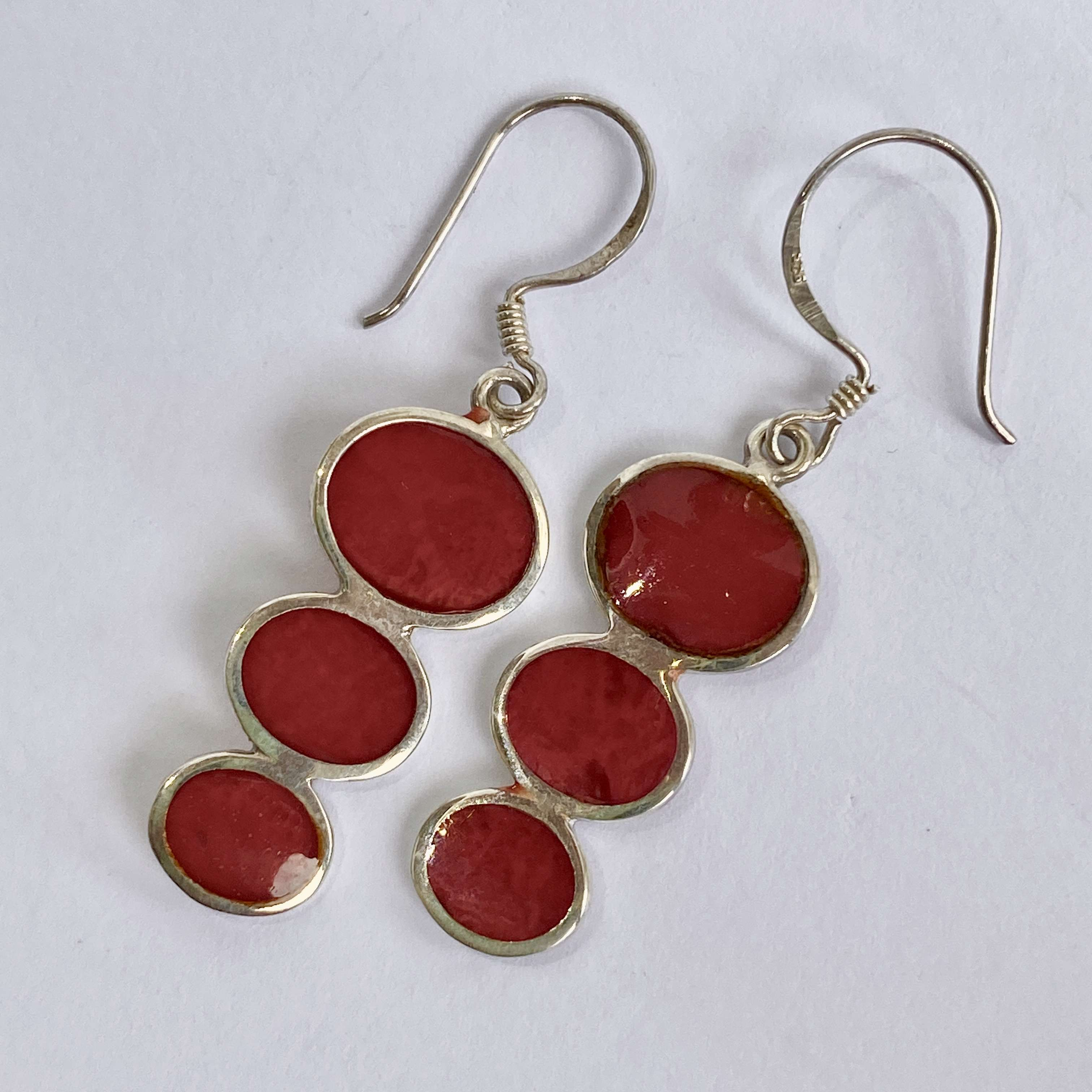 (BALI 925 STERLING SILVER EARRINGS WITH CORAL)