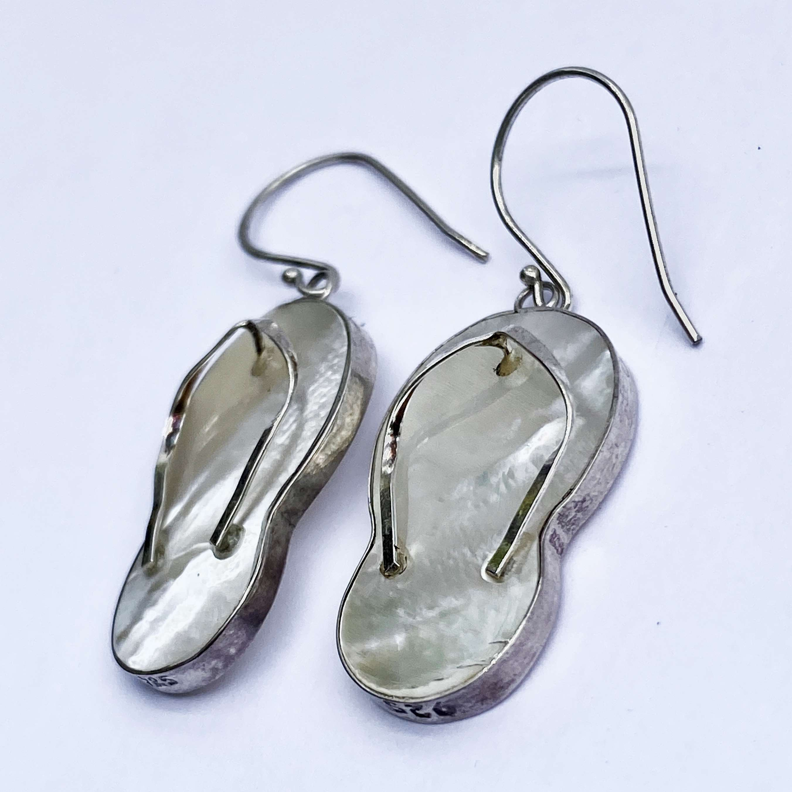 (HANDMADE 925 BALI SILVER SANDAL EARRINGS WITH MOTHER OF PEARL)
