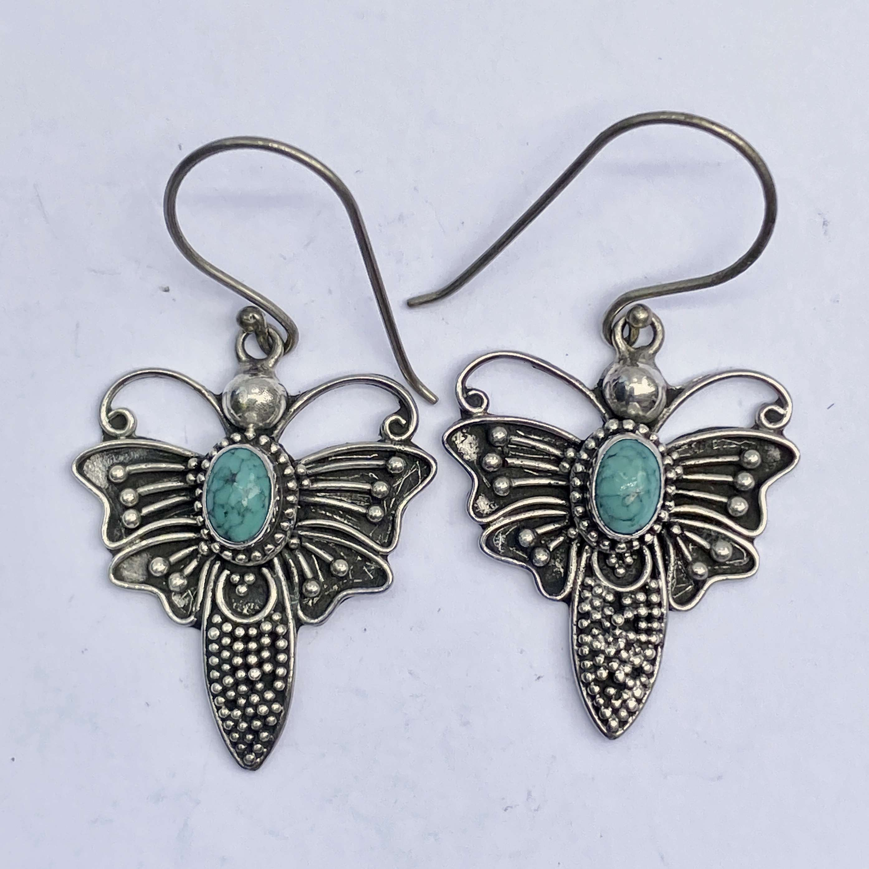 (BALI 925 STERLING SILVER BUTTERFLY EARRINGS WITH TURQUOISE)