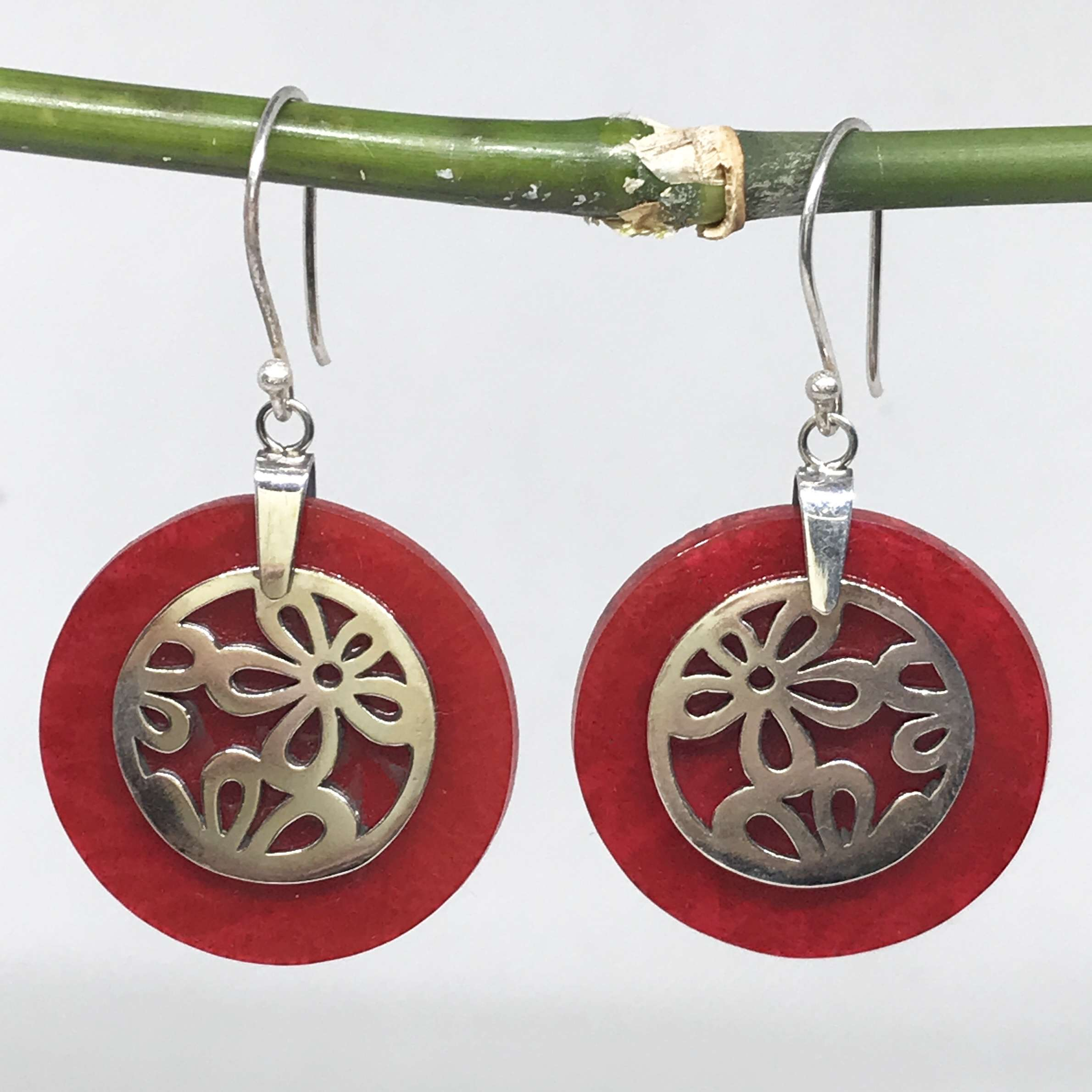 (BALI 925 STERLING SILVER DAISY EARRINGS WITH CORAL)