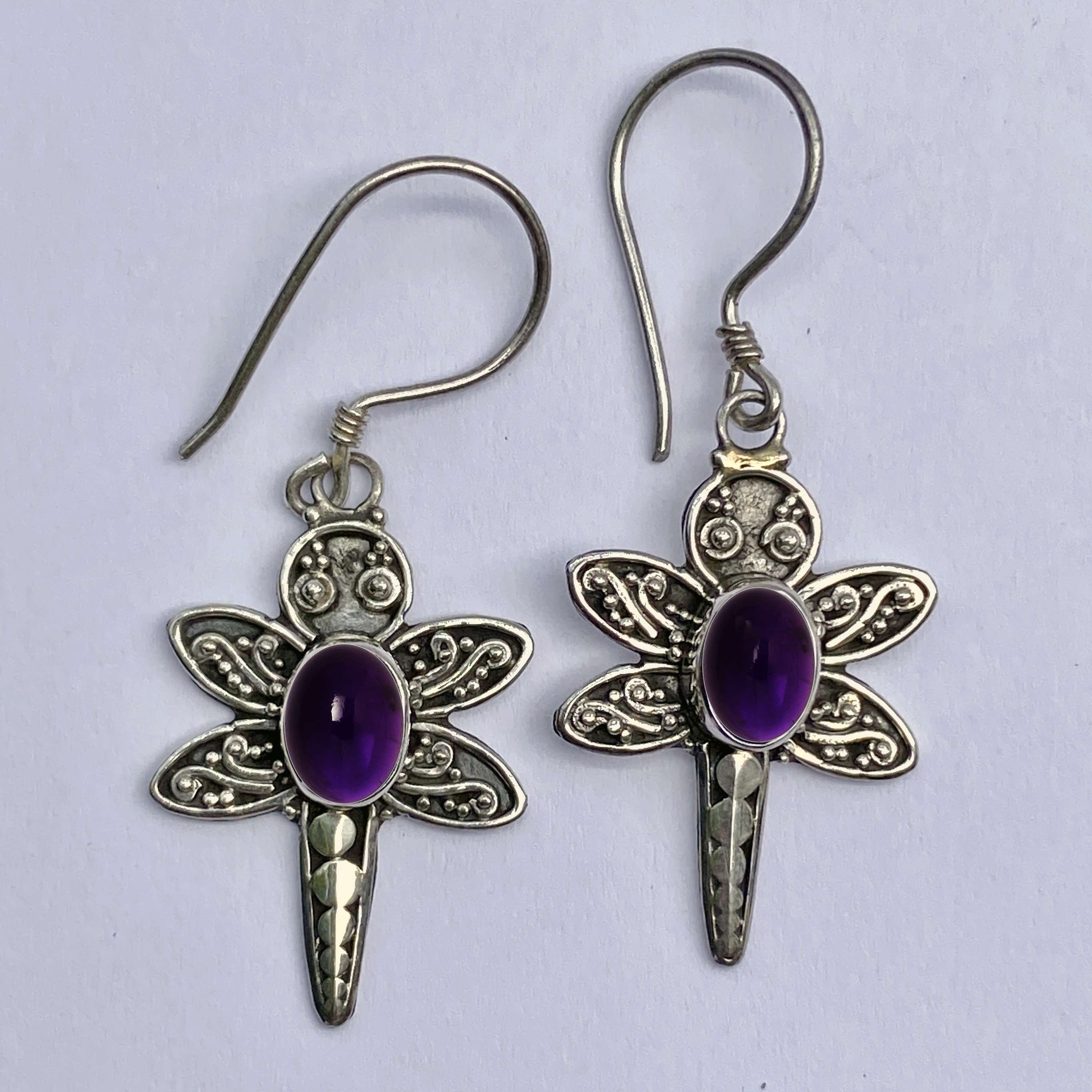 (BALI 925 STERLING SILVER DRAGONFLY EARRINGS WITH AMETHYST)