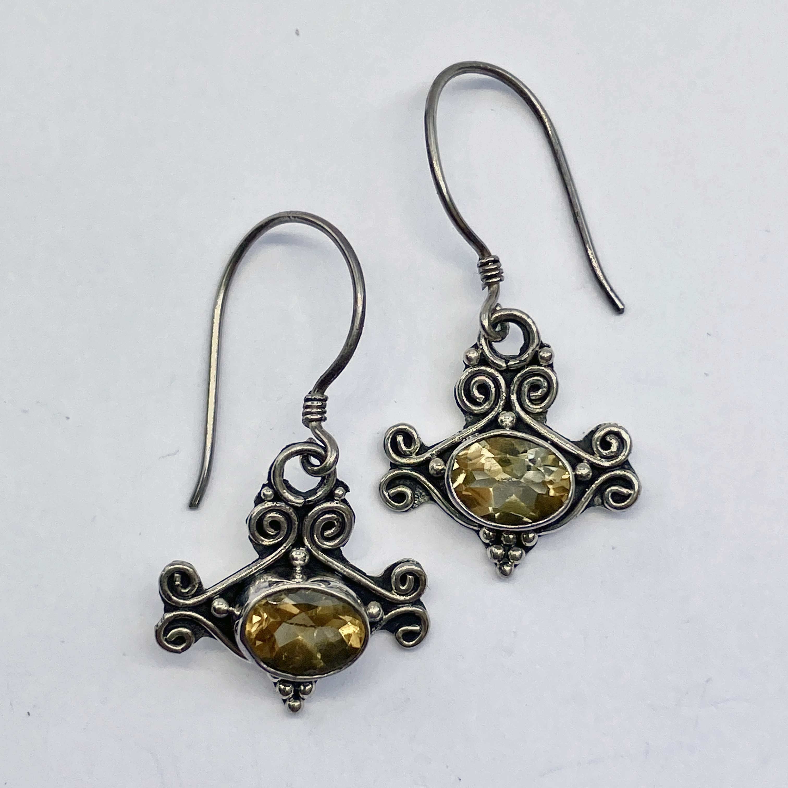 (HANDMADE 925 BALI STERLING SILVER EARRINGS WITH CITRINE)