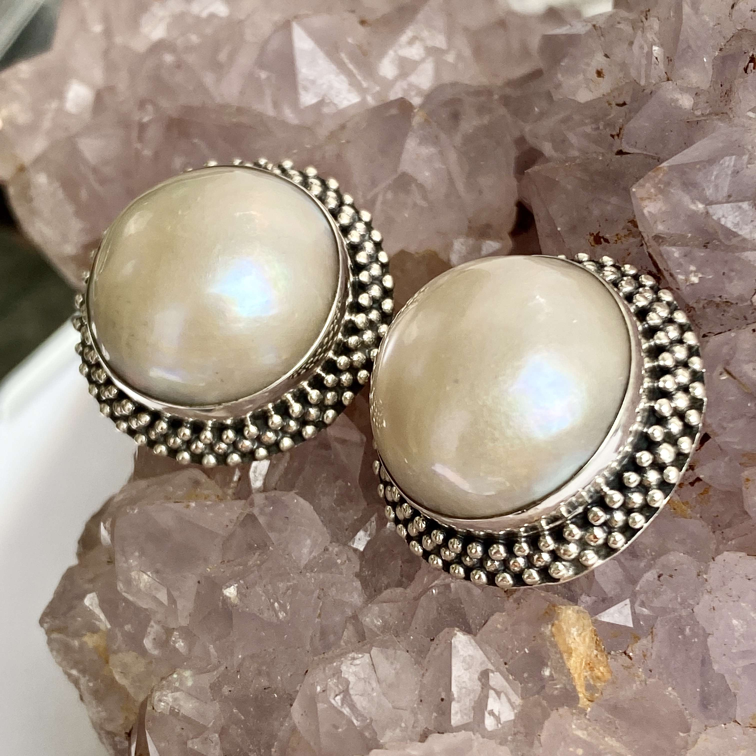 (HANDMADE 925 BALI SILVER EARCLIP EARRINGS WITH MABE PEARL)