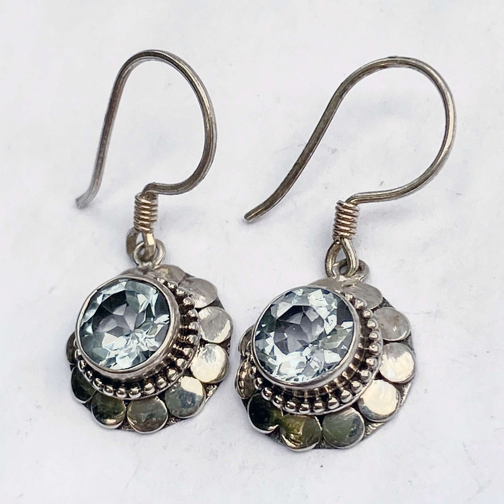 (ROUND 925 BALI SILVER ARMADILLO EARRINGS WITH TOPAZ)