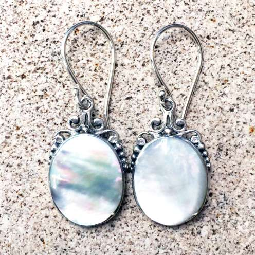 (HANDMADE 925 BALI SILVER EARRINGS WITH MOTHER OF PEARL)