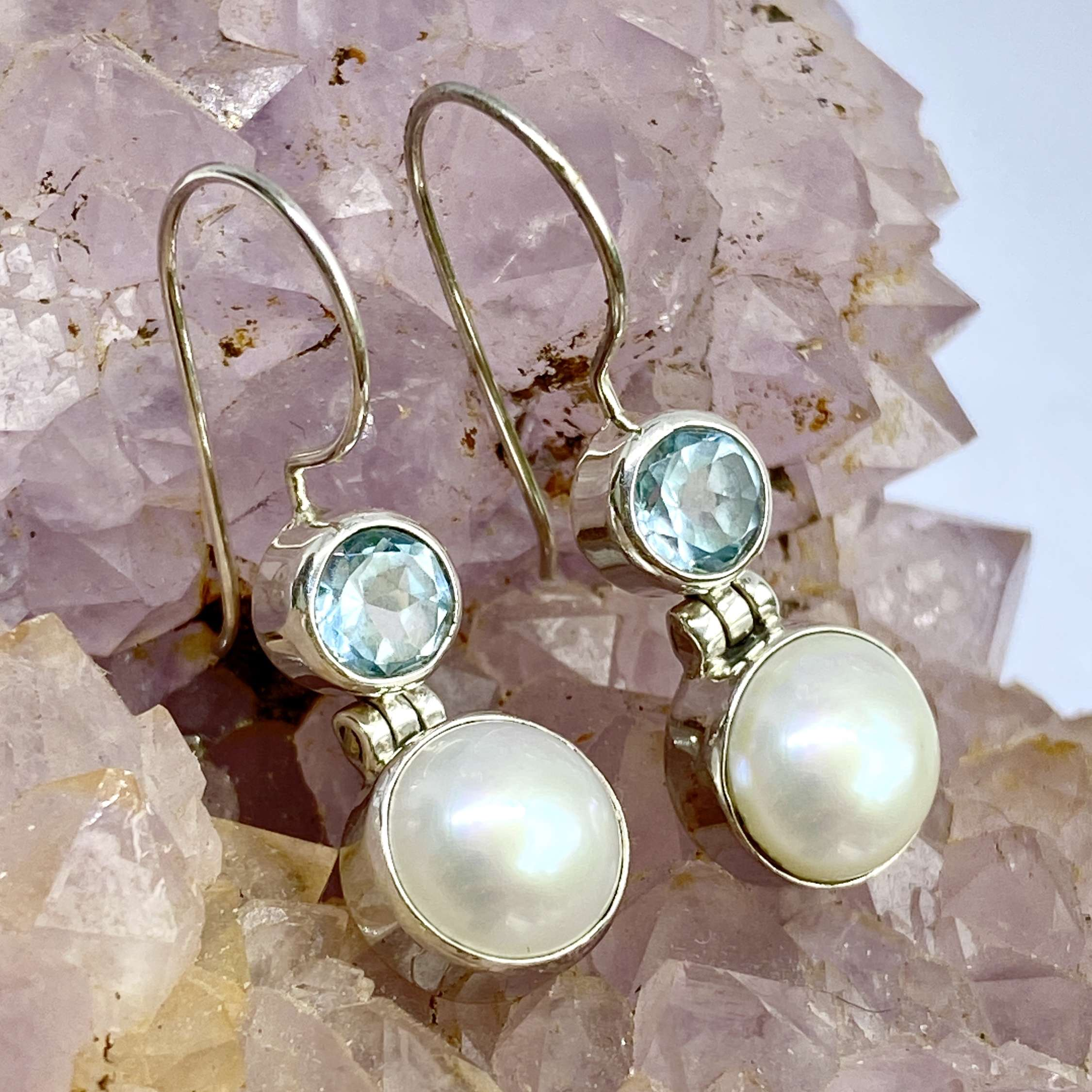 (925 BALI STERLING SILVER EARRINGS WITH PEARL - TOPAZ)