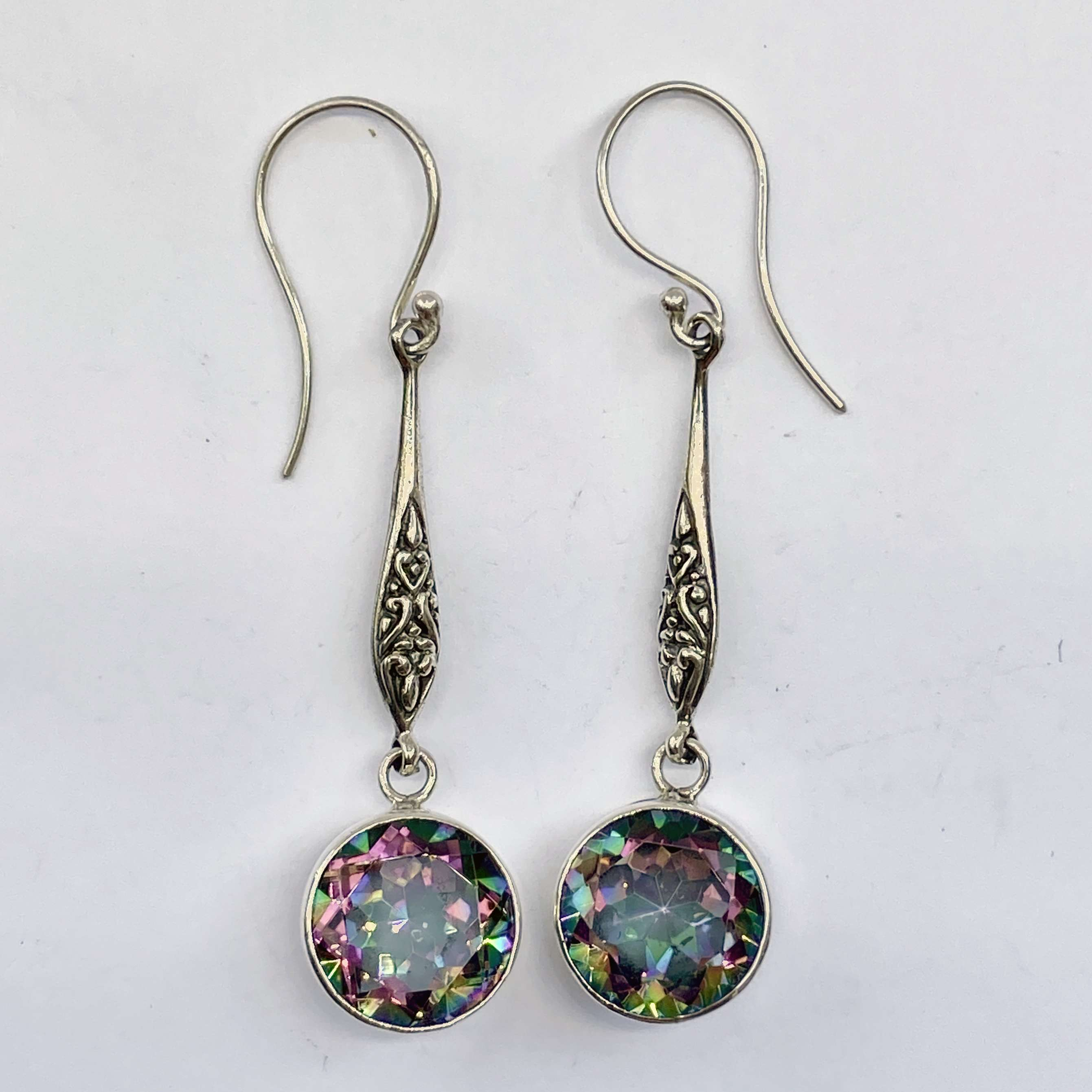 (HANDMADE 925 BALI STERLING SILVER EARRINGS WITH MYSTIC TOPAZ)