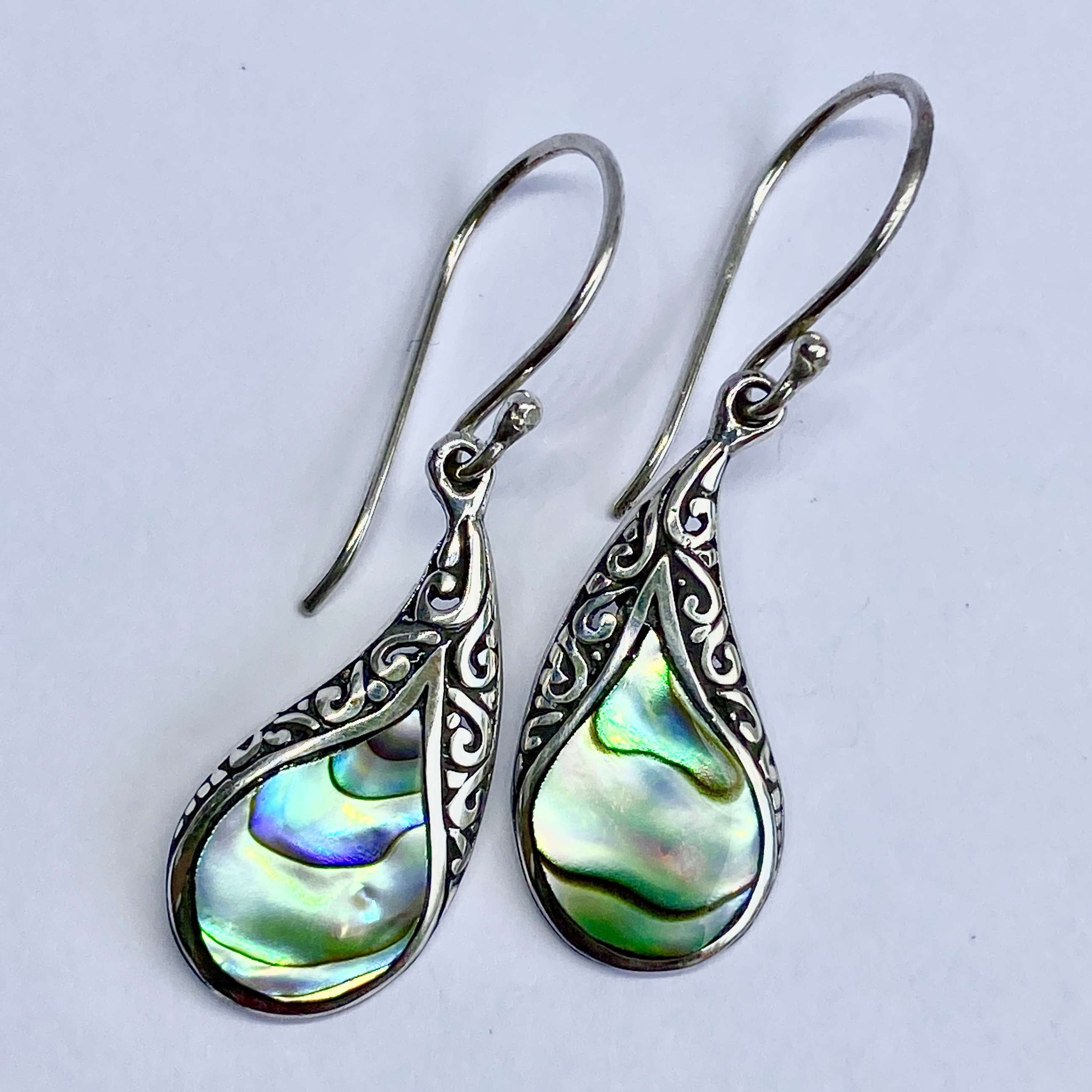 (BALI 925 STERLING SILVER EARRINGS WITH ABALONE)