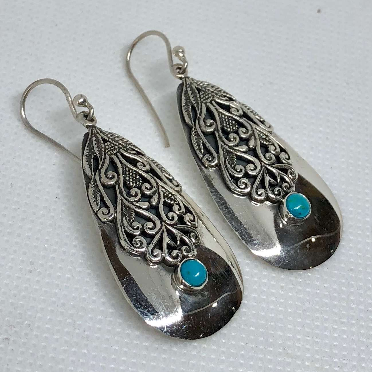 (UNIQUE 925 BALI SILVER FILIGREE EARRINGS WITH TURQUOISE)