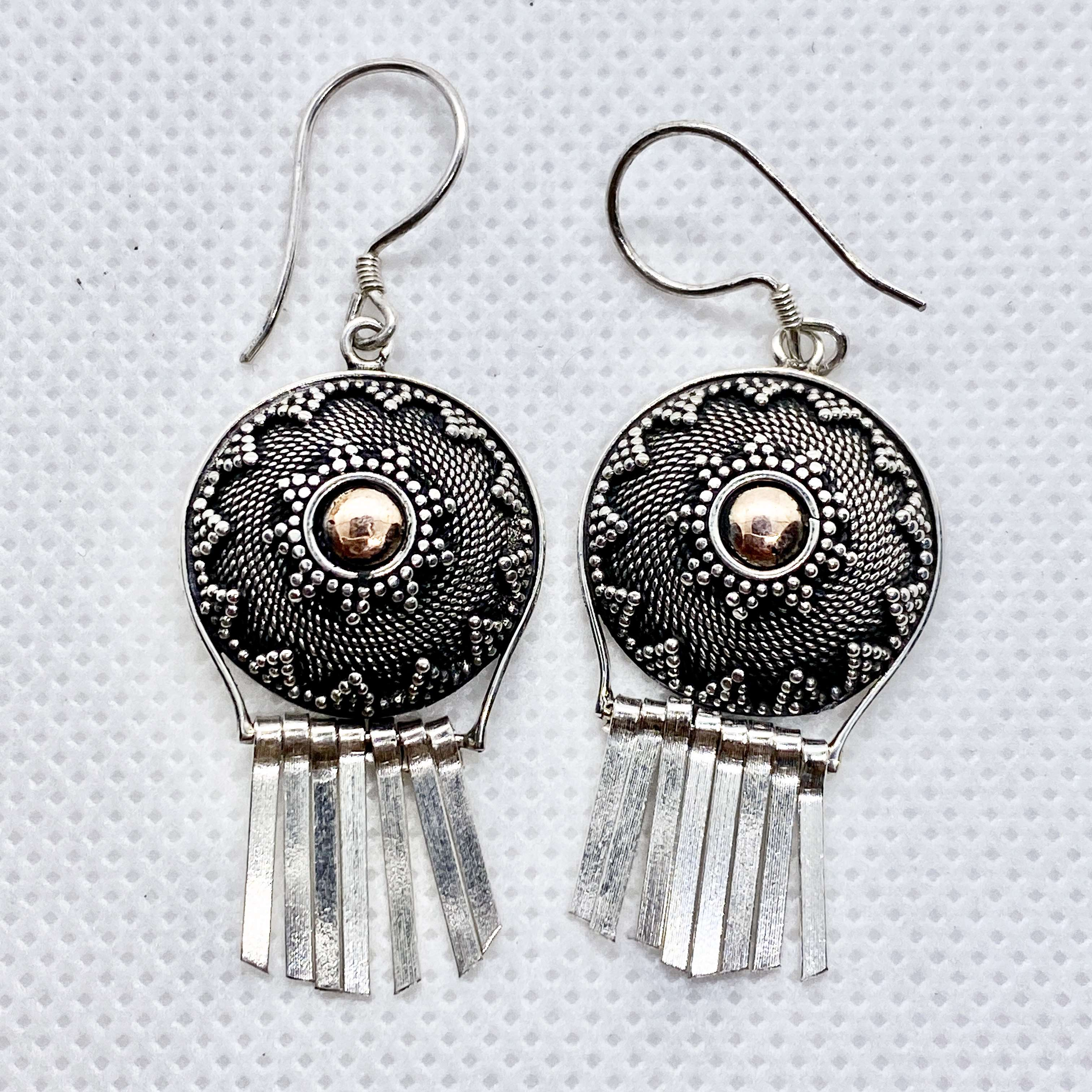 (UNIQUE 925 BALI SILVER EARRINGS WITH 18 KT GOLD ACCENT)