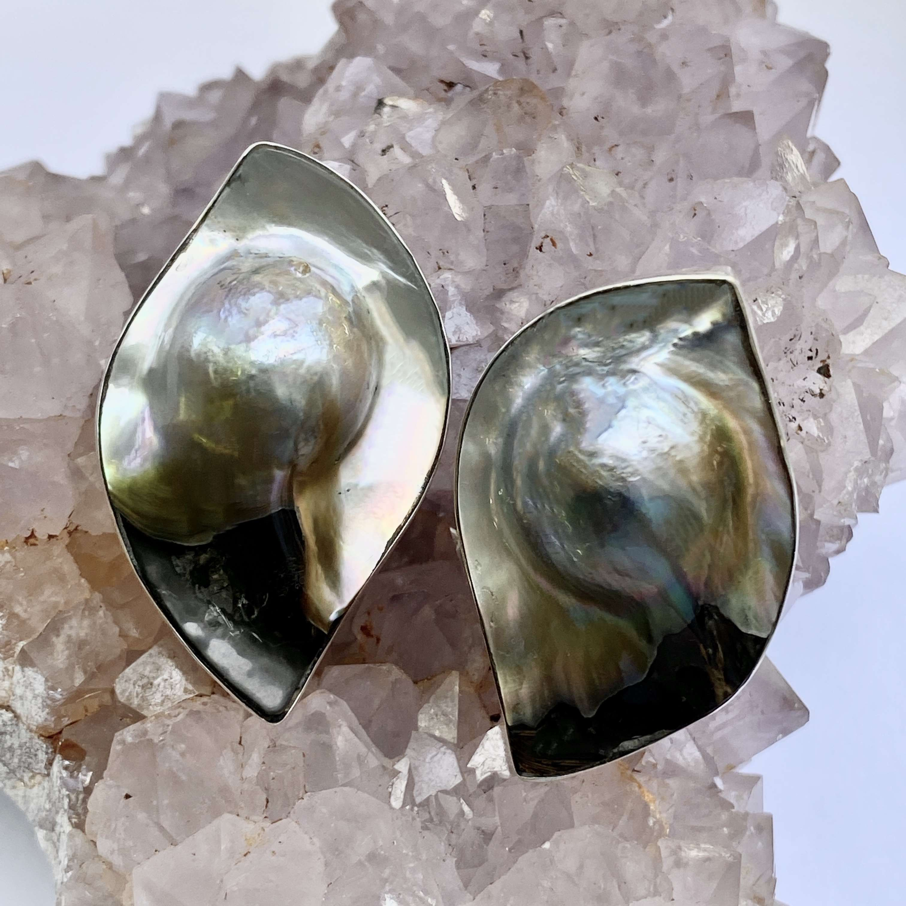 (HANDMADE 925 BALI SILVER CLIP ON EARRINGS WITH MABE PEARL SHELL)