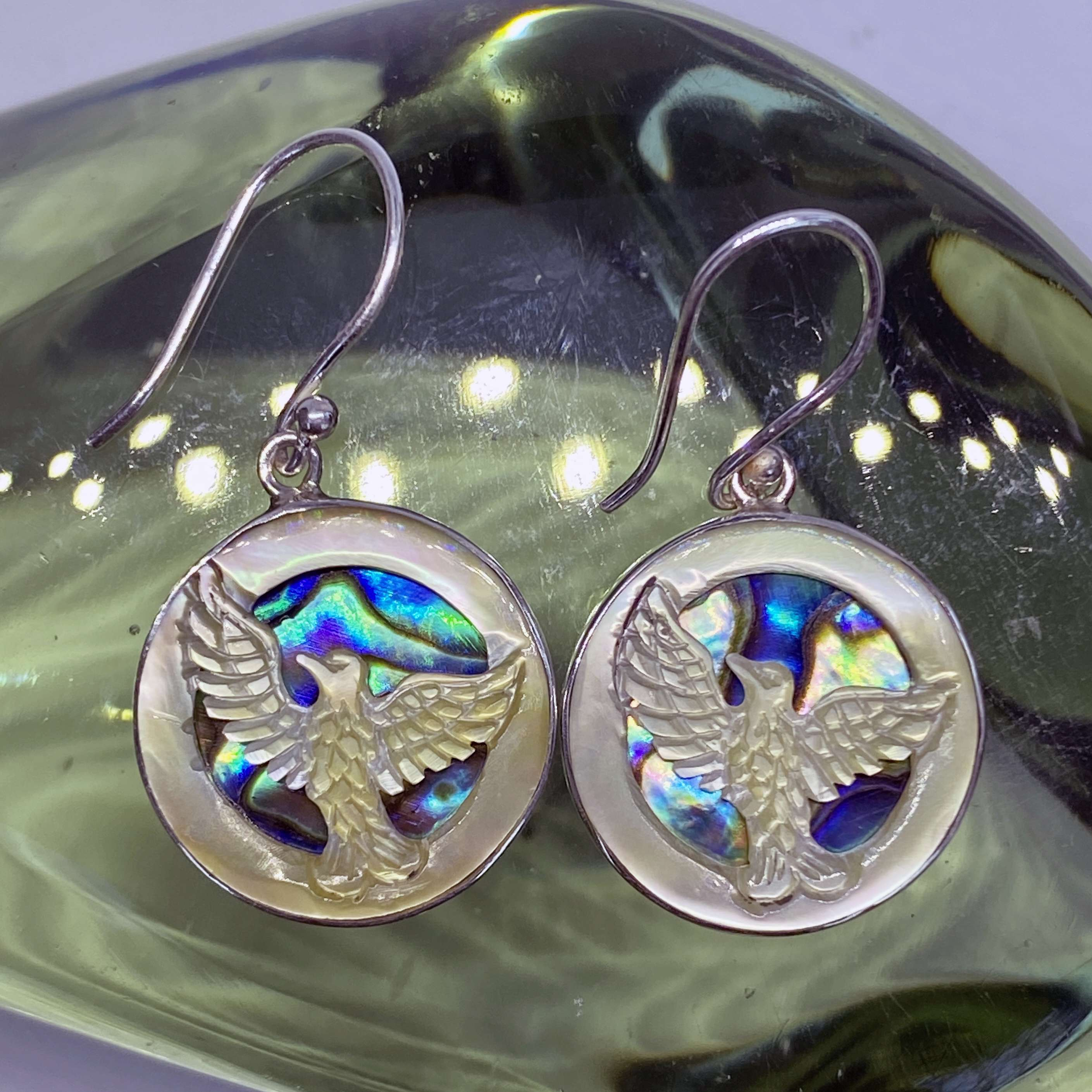 (925 BALI SILVER HAND CARVING EAGLE SHELL EARRINGS WITH ABALONE)