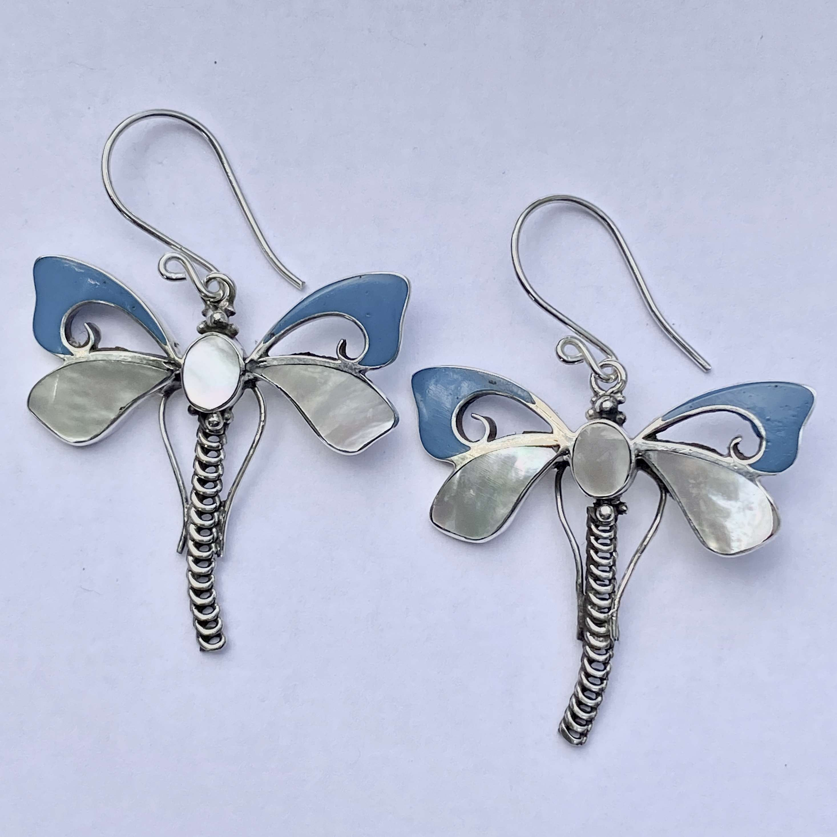 (HANDMADE 925 BALI SILVER DRAGONFLY EARRINGS WITH MOP)