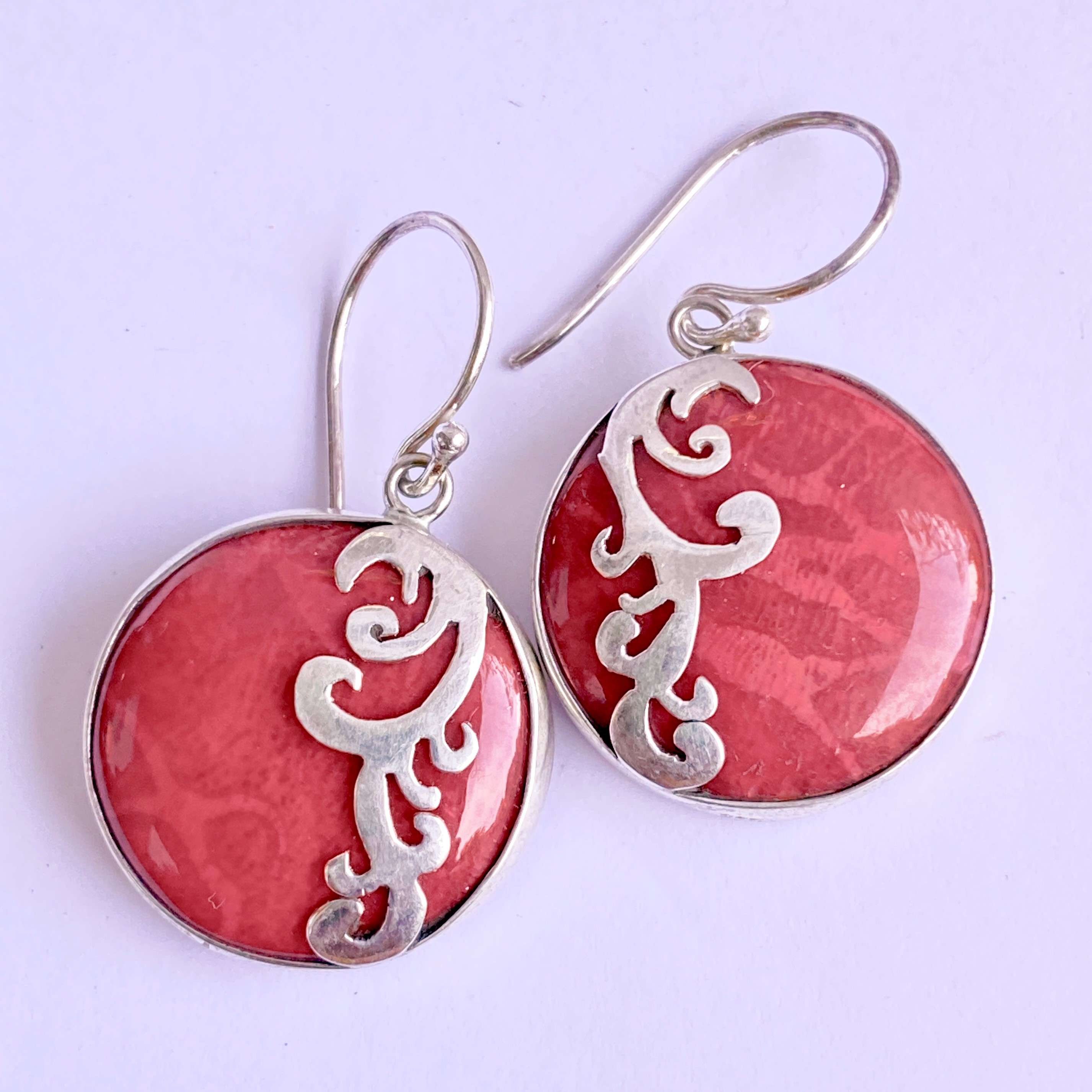 (HANDMADE 925 BALI SILVER EARRINGS WITH ROUND CORAL)