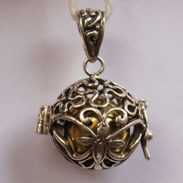 BD 09981-(HANDMADE 925 BALI SILVER HARMONY BALL BUTTERFLY PENDANT 16 MM)