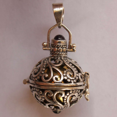 BD 10635-(HANDMADE 925 BALI SILVER HARMONY BALL PENDANT WITH MIX STONE 18 MM)