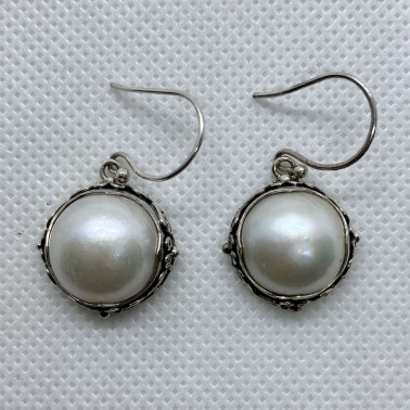 ER 13895 WPL-BALI SILVER EARRINGS WITH WHITE MABE PEARL