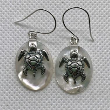 ER 13623 B-MP-(925 BALI SILVER TURTLE OVAL EARRINGS WITH MOTHER OF PEARL)