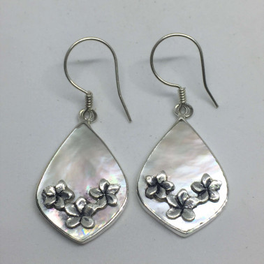 ER 07818 MP-( 925 BALI SILVER FLOWER EARRINGS WITH MOP )